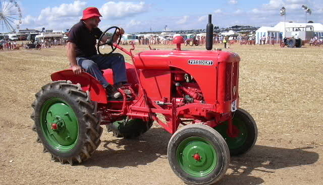East Devon Tractor, Machinery & Engine Club  3